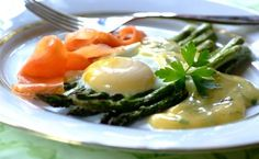 Salmon, Eggs And Asparagus: a decadent breakfast for the weekend. Posh Nosh, Salmon Eggs, Decadent Food, My Cookbook, Asparagus, Dip, Healthy Eating, Yummy Food, Easter Weekend