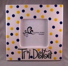 use for ADPi instead! Delta Sorority, Delta Zeta, Tri Delta, Alpha Delta, Sorority Picture Frames, Picture Frame Inspiration, Cute Frames, Sorority Crafts, Little Gifts