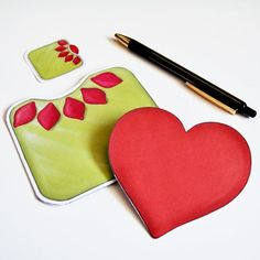 A Pull Out Card to DIY - Pull at the centre of the flower and reveal a heart that carries your message.