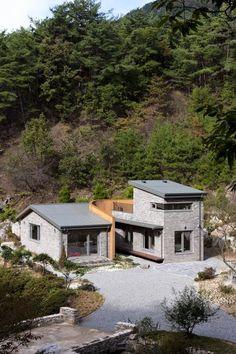 """전남 화순 방리에 지어진 [백아산방]입니다. 이 집은 리빙큐브 모델 """"초가삼간 디귿[ㄷ]집""""을 모델로 수정..."""