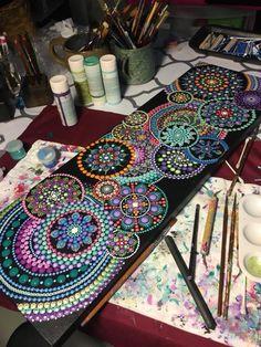Pointillism, Dotillism, Dot Art, Mandala Art, on a frame. - art worlds Mandala Art, Mandala Nature, Image Mandala, Mandala Rocks, Mandala Painting, Dot Art Painting, Stone Painting, Aboriginal Art, Stone Art