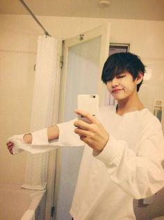 My cute little bastard ⊱Taekook Texting ⊰ - Taehyung has been with his best friend Jeon Jung for quite a while … # Fan-Fiction # - Bts Selca, Jungkook Abs, Kim Taehyung, Bts Bangtan Boy, Namjoon, Hoseok, Taehyung Fanart, Bts Mv, Fan Fiction