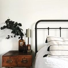 Find your serenity with these 50 White Bedroom Ideas - The Trending House Home Decor Bedroom, Modern Bedroom, Bedroom Vintage, Bedroom Bed, Bedroom Ideas, Eclectic Bedrooms, Bedroom Artwork, Bohemian Bedrooms, Contemporary Bedroom