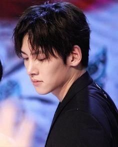 Ji Chang Wook / Jesus, he looks SO good here...
