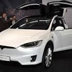 #birmingham Tesla's 'enhanced cruise control car struck police motorcycle in Arizona' just days before dramatic crash involving ...  A Tesla vehicle allegedly operating on autopilot hit a police motorcycle in Arizona, just days before a dramatic crash involving a self-driving Uber car.