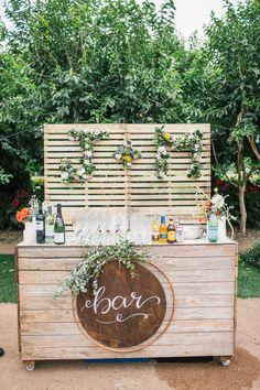 4 Ingenious Ways Couples Are Serving Booze At Their Weddings