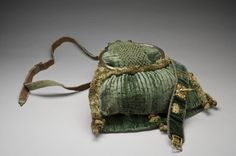 Hunting Bag, Sweden, mid-1600s, green velvet. DATING mid-1600s OTHER KEYWORDS hunting bag COALITION Armory INVENTORY NO. 997 (3949)