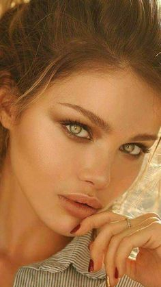 Pretty Eyes, Cool Eyes, Girl Face, Woman Face, Beautiful Girl Makeup, Female Eyes, Model Face, Stunning Eyes, Light Hair