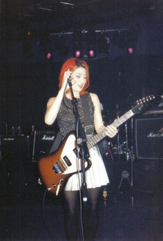 miki berenyi Girls that rock! Riot Grrrl, Music Aesthetic, Aesthetic Clothes, Punk Baby, Into The Fire, Britpop, Dream Pop, Punk Goth, Girl Bands