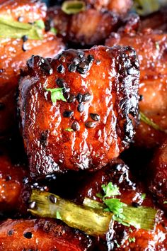 Easy Baked Pork Belly - Lord Byron's Kitchen - oven at 350 for my oven - add more garlic and brown sugar maybe some honey to tone down soy sauce Pork Recipes, Asian Recipes, Cooking Recipes, Asian Pork Belly Recipes, Smoker Recipes, Korean Pork Belly, Hawaiian Recipes, Cooking Tips, Pork Belly Bao