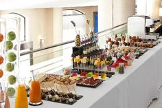 coffee break - Buscar con Google Restaurant Concept, Food Stations, Food Displays, Food Decoration, Food Plating, Banquet, Street Food, Catering, Birthday Parties