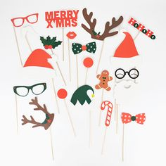 Photobooth kit: the craziest selection for a crazy photo booth! Holiday Photos, Christmas Photos, Kids Christmas, Hygge Christmas, Magical Christmas, Photos Booth, Photo Booth Props, Christmas Photo Booth Backdrop, Photobooth Christmas