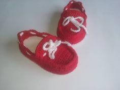 sapato de crochê mocassim para bebê - YouTube Crochet Baby Blanket Beginner, Crochet Baby Shoes, Baby Booties, Doll Clothes, Crochet Ideas, Crochet Patterns, Baby Ideas, Vans Shoes, Vans Slip On