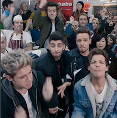 Here's your THIRD exclusive pair of GIF's for the Midnight Memories music video! 1DHQ x