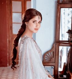 Sajal Ali, Actors, One Piece Episodes, Islamic Videos, Pakistani Actress, Pakistani Outfits, Beautiful Actresses, Girl Pictures, Cute Couples