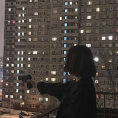 Night Aesthetic, City Aesthetic, Bad Girl Aesthetic, Aesthetic Grunge, Aesthetic Photo, Aesthetic Pictures, Building Aesthetic, Aesthetic Outfit, Travel Aesthetic