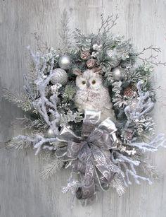 Wreaths, Floral Arrangements & Home Decor by WreathburyLane Christmas Angel Crafts, Large Christmas Wreath, Christmas Wreaths For Front Door, Christmas Swags, Etsy Christmas, Holiday Crafts, Christmas Decorations, Burlap Christmas, Primitive Christmas