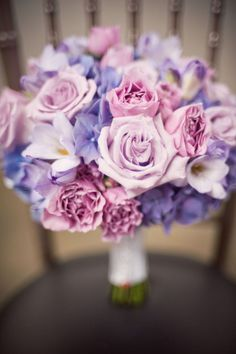 Soft and romantic purple bouquet | Photography: Jeremy Harwell