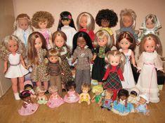 Muñecas (foto tati68) Curious Cat, Old Dolls, Collector Dolls, Reborn Dolls, My Children, Beautiful Dolls, Vintage Toys, Games To Play, Childhood Memories