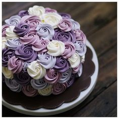 Beautiful Rossette Cake in Purple, project by Ivenoven, via bridestory. Pretty Cakes, Cute Cakes, Beautiful Cakes, Amazing Cakes, Food Cakes, Cupcake Cakes, Cake Fondant, Buttercream Cake, Buttercream Ideas