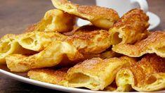 Spestrite svoje raňajky týmto jednoduchým chutným koláčikom. Je len zo základných surovín, ktoré máte určite doma aj teraz počas karantény. Cake Recipes, Snack Recipes, Onion Rings, Chicken Wings, Macaroni And Cheese, Muffins, Bacon, Deserts, Good Food