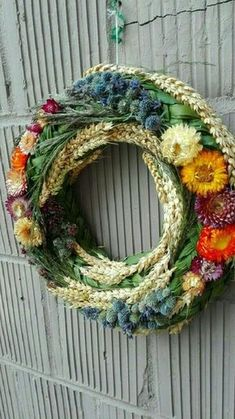 Как сделать топиарии. Подарки ручной работы Shabby Chic Christmas Decorations, Fall Door Decorations, Flower Decorations, Autumn Wreaths, Christmas Wreaths, Couronne Diy, Corona Floral, Welcome Wreath, Arte Floral