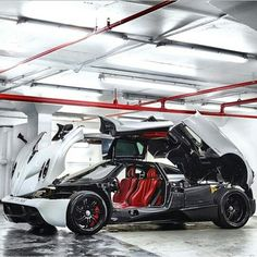 #pagani #huayra is the 4th most expensive new car for sale in the world today: US$1.6 millions.  http://www.MOSTEXPENSIVECARTODAY.com  Photo re-posted from Instagram account @santv_cars