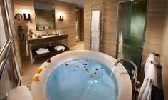 #Hotel Cavour #Milano: romantic #suite