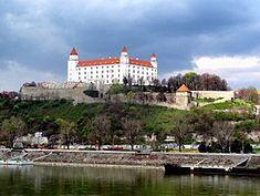 Výsledok vyhľadávania obrázkov pre dopyt slovenský hrad Nasa, Mansions, House Styles, Home, Decor, Decoration, Manor Houses, Villas, Ad Home