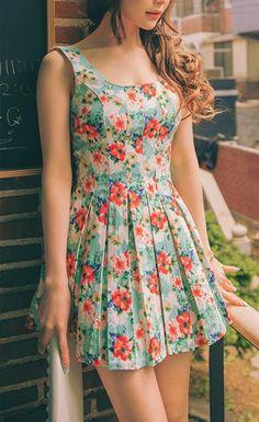 Everyday New Fashion: Pretty Floral Print Sleeveless Dress #fashion #beautiful #pretty
