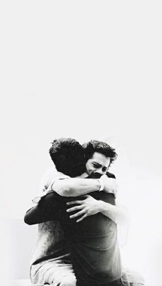 wallpapers Teen Wolf - Scott and Stiles Teen Wolf Scott, Teen Wolf Stiles, Scott Y Stiles, Teen Wolf Boys, Teen Wolf Dylan, Teen Wolf Stydia, Teen Wolf Tumblr, Teen Wolf Quotes, Wallpapers Teen Wolf