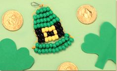 Craft Project Ideas - The Craftiest Corner of the Internet! Pony Bead Projects, Pony Bead Crafts, Craft Projects, Beaded Crafts, Project Ideas, Craft Ideas, Hat Crafts, Craft Stick Crafts, Crafts For Kids