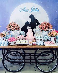 Um lindo chá de bebê iluminado pela lua e as estrelas. Montagem feita pela nossa decoradora Ale L. #chadebebe #babyshower #FantasieFestas #festainfantil #kidsparty #fiestasinfantiles #bolo #cake #decoraçãopersonalizada #mesadecorada #loucaporfestas #encontrandoideias #kidsdecor  #partydecor #festejar #partykids  #cumpleanos #birthday #party #brithdayparty #instaparty #festejarcomamor #FantasieFestasInfantis #fantasiefestaseeventos