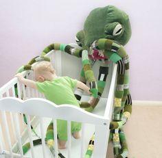 Gigantic Cthulhu plush will babysit your kids (& their souls): http://j.mp/19Dlftd