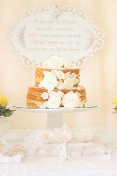 Batizado, Baptism, amarelo e branco, decoraçao, decor, party, festa, arranjos, center piece, flores, flowers, mesa de doces, dessert table, naked cake, bolo.
