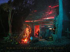 Haunted Witches Cottage Halloween Decorating by Screaming Scarecrow great link to video Halloween Prop, Voodoo Halloween, Halloween Scene, Scary Halloween Decorations, Halloween Haunted Houses, Halloween 2014, Outdoor Halloween, Halloween Projects, Halloween Themes