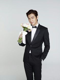 I'm gonna miss him when he's serving his mandatory military service for South Korea for the next 2 years. Boys Before Flowers, Boys Over Flowers, Li Min Xo, Lee Min Ho Smile, Lee Min Ho Kdrama, Lee And Me, Park Hyung, Lee Min Ho Photos, Handsome Korean Actors