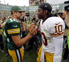 Packers and Redskins Aaron Rogers, Rodgers Green Bay, Pro Football Teams, Sports Fanatics, Go Pack Go, Great Team, Washington Redskins, Green Bay Packers, Cheerleading