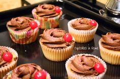Chocolate cherry cupcakes Chocolate Cherry Cupcakes, Mini Cupcakes, Rome, Desserts, Tailgate Desserts, Deserts, Postres, Dessert, Plated Desserts