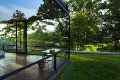 new canaan - glass house 4 Architecture Photo, Residential Architecture, Modern Architecture, Philip Johnson Glass House, Small Buildings, Eco Friendly House, Architectural Elements, Little Houses, Bauhaus