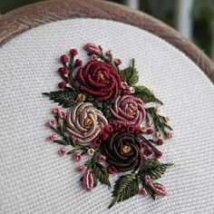 Wonderful Ribbon Embroidery Flowers by Hand Ideas. Enchanting Ribbon Embroidery Flowers by Hand Ideas. Bullion Embroidery, Brazilian Embroidery Stitches, Hand Embroidery Videos, Hand Embroidery Flowers, Learn Embroidery, Hand Embroidery Stitches, Silk Ribbon Embroidery, Hand Embroidery Designs, Embroidery Kits