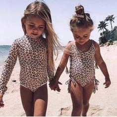 Kids fashion Show Runway - Kids fashion Photography Happy - Kids fashion Clothes Winter - Kids fashion Illustration Collection - Cute Kids, Cute Babies, Baby Kids, Beach Babies, Trendy Kids, Baby Girl Fashion, Kids Fashion, Fashion Clothes, Fashion Fashion