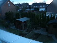 Ausblick Abenddämmerung, Blick auf Garten, Linse angehaucht (Verblendung weg)