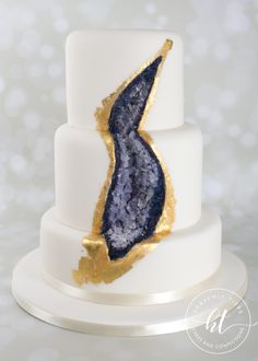 We produces delicious handmade and beautifully decorated cakes and confections for weddings, celebrations and events. Amethyst Geode, Handmade Wedding, Celebration Cakes, Celebrity Weddings, Heavenly, Panna Cotta, Cake Decorating, Wedding Cakes, Ethnic Recipes
