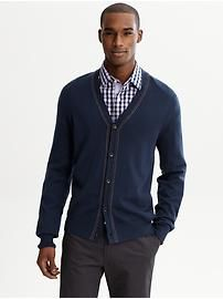 I really like this layered look, the checkered shirt under the cardigan is great for BBQs this Summer and the cardigan is great for cooler nights. Extra-fine merino tipped cardigan from Banana Republic  @Metropolisatmet #Findwhatyoulove