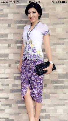 Kebaya Lace, Batik Kebaya, Kebaya Dress, Dress Pesta, Kebaya Encim Modern, Modern Kebaya, Blouse Batik, Batik Dress, Muslim Fashion