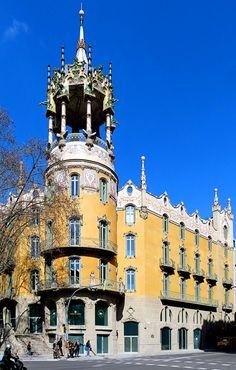 La Rotonda in Barcelona, Spain 1908 Architect: Adolfo Ruiz i Casamitjan