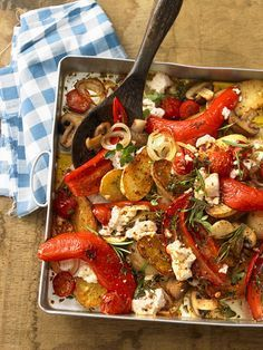 Mediterranean oven vegetables - Mediterranean baked vegetables with paprika, feta and tomatoes - Grilling Recipes, Vegetable Recipes, Vegetarian Recipes, Cooking Recipes, Healthy Recipes, Healthy Baking, Healthy Snacks, Oven Baked Vegetables, Eat Smart