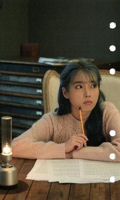 Photo album containing 11 pictures of IU Korean Actresses, Actors & Actresses, K Pop, Jaehyun, Warner Music, Cute Wallpaper For Phone, Korean Singer, Cute Hairstyles, Girl Crushes