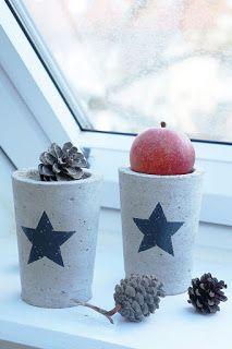 DIY concrete I beton Christmas jar Candle holder Teelichthalter Vase Crafts, Concrete Crafts, Concrete Art, Concrete Projects, Christmas Jars, Christmas Deco, Christmas Time, Xmas, Paper Vase